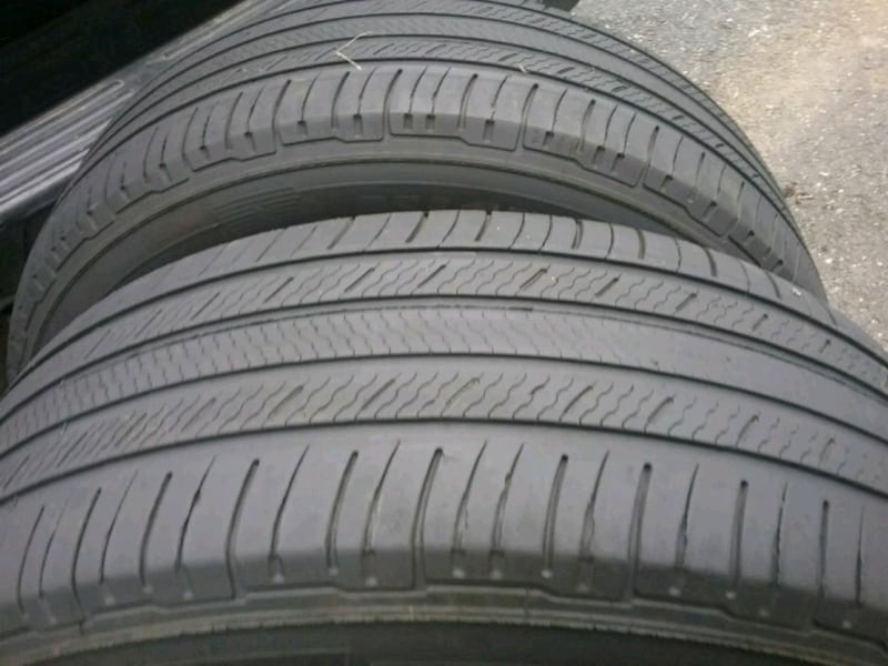 2 Michelin 235 65 18..... tires 0
