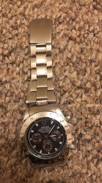 round silver-colored chronograph watch with link bracelet Hamilton