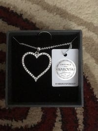 Silver chain necklace with heart pendant Toronto, M9A 3G8