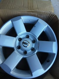 6 lug nissan Rim 18in