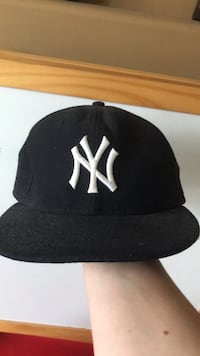 black and white New York Yankees cap Maple Ridge, V2X 4V8