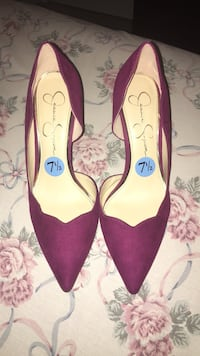 pair of red suede pointed-toe heeled shoes Woodbridge, 22193