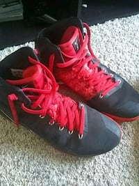 Size 12 red and blac hyperdunks Buhl, 35446