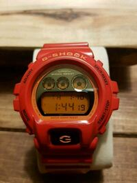 Red G Shock watch Mississauga, L5B 3L3