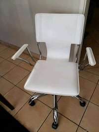 White crome office chair Los Angeles, 91335