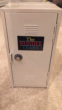 The Wonder Years! Complete series! Unopened in locker container. Very unique!  Washington, 20011