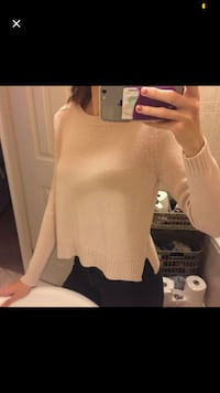 Knit long sleeve  Toronto, M6H 3M3