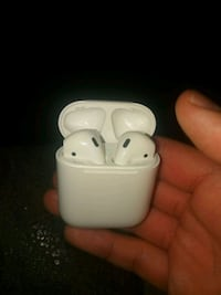 Apple airpods with charger  Newark, 07105