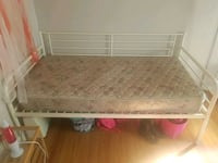 Bed and mattress Wentzville, 63385