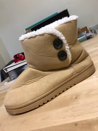 New tan 'ugg' boots never worn  Port Coquitlam