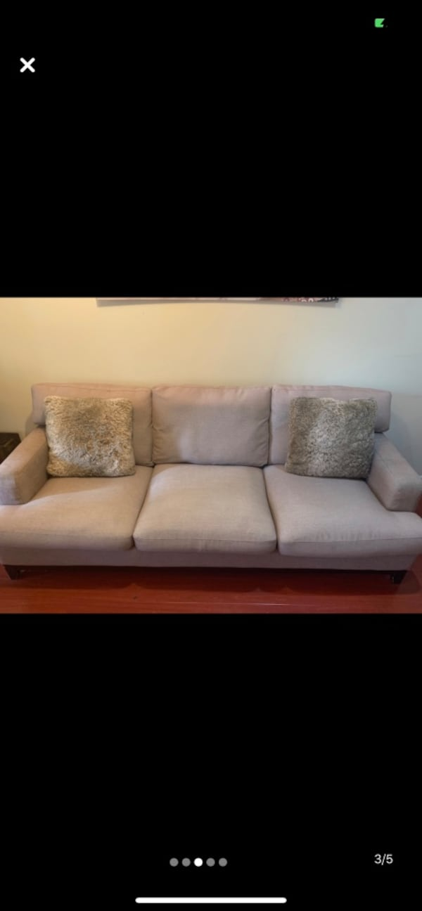 Super comfortable modern sofa PRICE TO SELL f0abd132-47c0-4ffc-a95d-c93294a3ee5c
