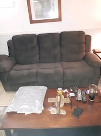 Reclineing couch