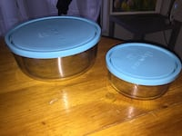 Glass food/salad containers L and S London, N6H 4W1