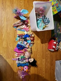 FS:  Barbie and misc dolls Burnaby, V5B 2X7