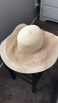 white and brown fedora hat South Gate, 90280