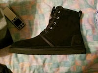 unpaired black leather lace-up boot 68 km