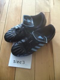 Adidas soccer cleats child size 3 London, N5W