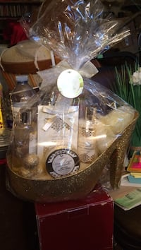Gift for Mother's Day BN Vanilla Sugar Products in a High Heel Edmonton, T5Y