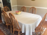 Oak table and chairs Knoxville, 37923