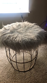 Fuzzy stool West Haven, 97225