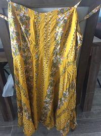 Yellow floral dress size 8 old navy  Virginia Beach, 23455