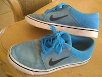 pair of blue-and-white Nike sneakers Mesa, 85213