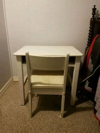 Small childs desk solid wood  Mississauga, L5E 2K4