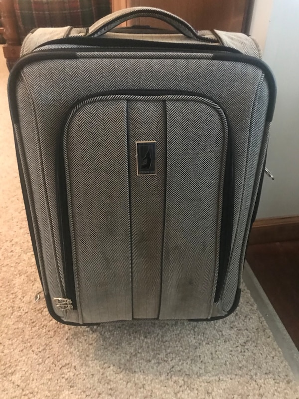 89938283a Used London Fog Luggage for sale in Milledgeville - letgo