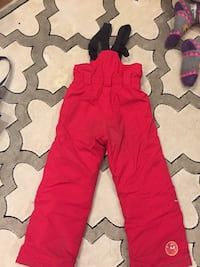 etirel girls snow pants size 6/6X. Great condition, no rips or tears. Smoke and pet free. London, N6J 4V3