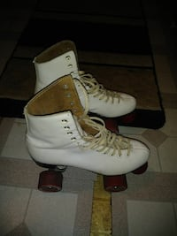 Woman's rollers skates old school