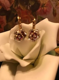 Beautiful!  Gold Rose Earrings with Diamond Crystal Stones Gainesville, 20155