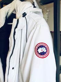 Authentic White Canada Goose Parka - Women's Size Medium