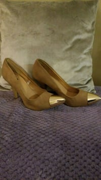 Beige and gold heels London, N6K 5C7