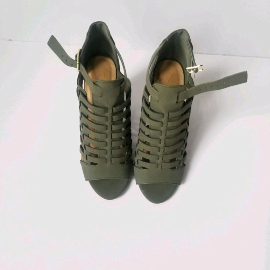 Army Green High Heels Sandals Size (6)