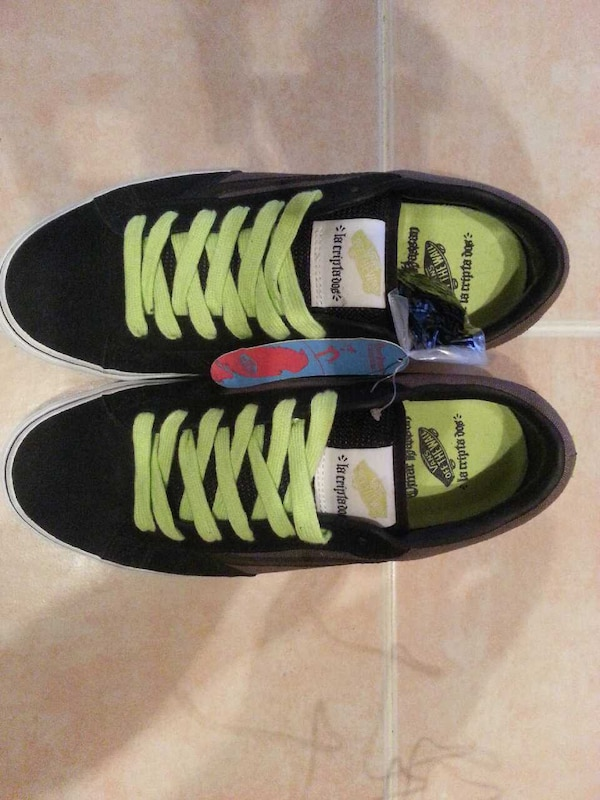 0341608588 Used NEW VANS OFF THE WALL Omar Hassan size 10 shoes for sale in New Jersey  - letgo