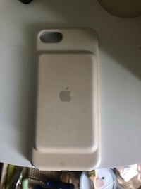 iPhone external battery case by Apple