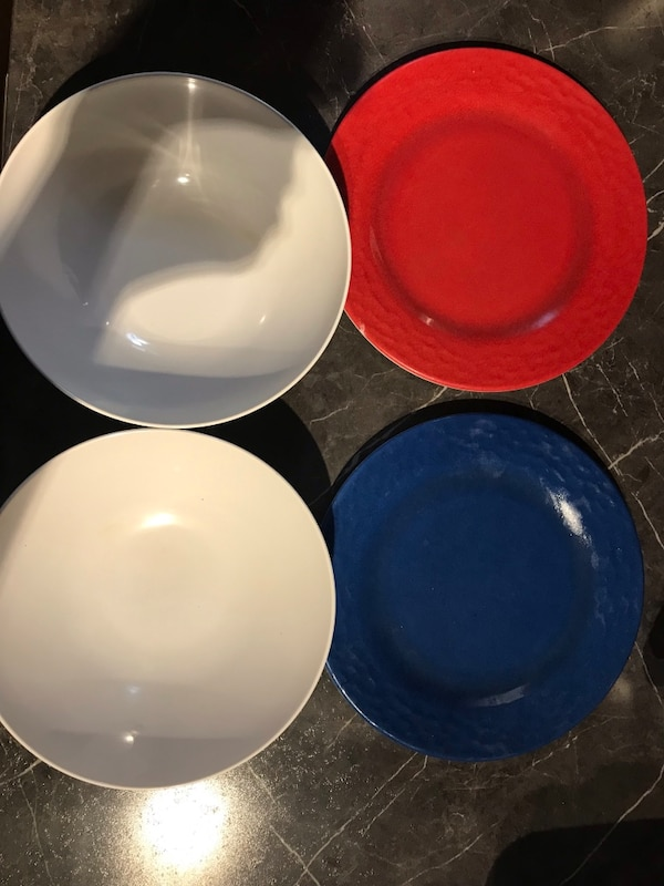 Bowls and dishes f672175e-86aa-466c-9f28-a7ab1dbfa079