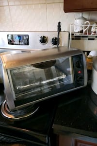 Black and decker toaster oven Mississauga, L4Y 2K5