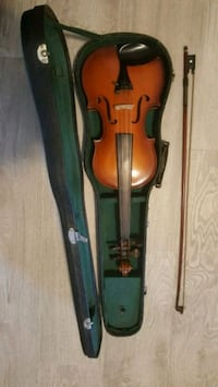 brown violin with bow in case Richmond Hill, L4C 3R1