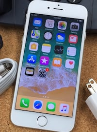 128GB Factory Unlocked iPhone 6 - White/Silver.   New York, 10018
