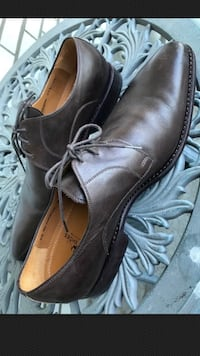 Pair of brown leather dress shoes Vaughan, L4K 5W2