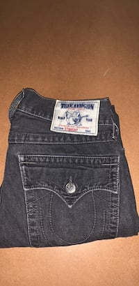 True Religion Jeans with pocket flaps Hamilton, L8R 2Y5