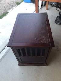 Wooden dog kennel can be used as an end table Chicago, 60634
