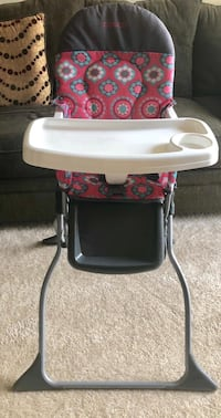 Baby Trend Sit-Right Adjustable High Chair. Herndon, 20171