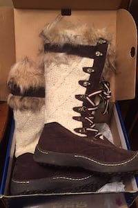 Warm Winter boots  Calgary, T2A 2H7