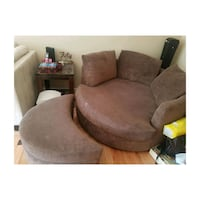 Big round couch  Langley City, V3A 1S7