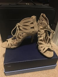 Suede, nude, size 6 Freehold, 07728