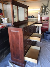 Solid wooden chest of draws with mirror Santa Clarita, 91350