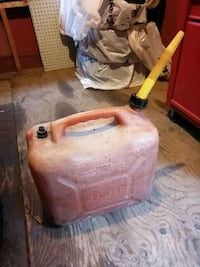 23L gas can London, N6K 2G7