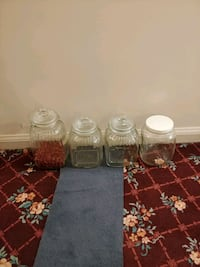 4 clear glass jars with lids Toronto, M1M 2Z2